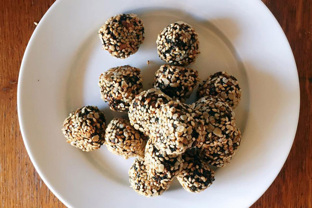 Laver seaweed balls